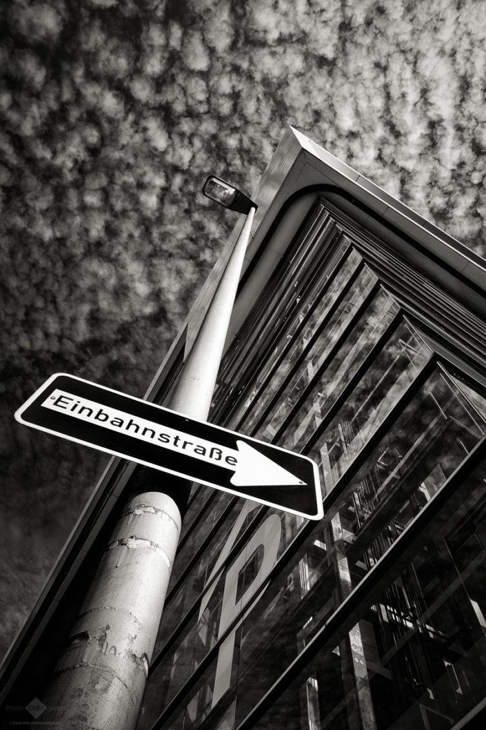 Einbahnstraße   One Way Street
